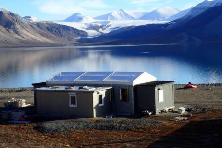 Hala namiotowa - baza na Spitsbergenie