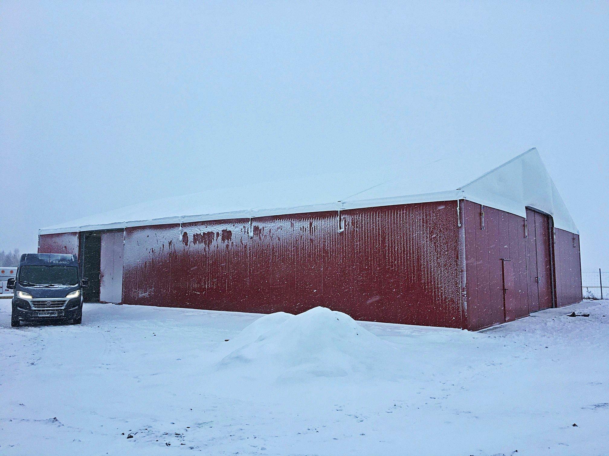 hala namiotowa – magazyn maszyn rolniczych 18X24X5m.